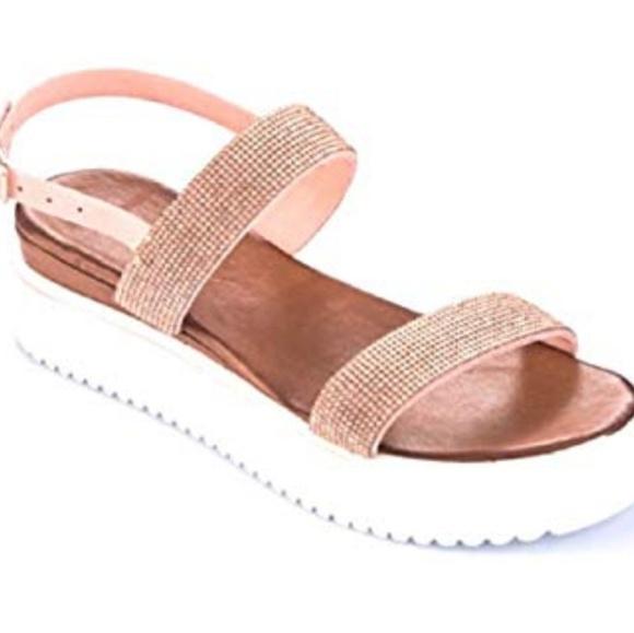 pretty nice d62df ba307 INUOVO Sandals